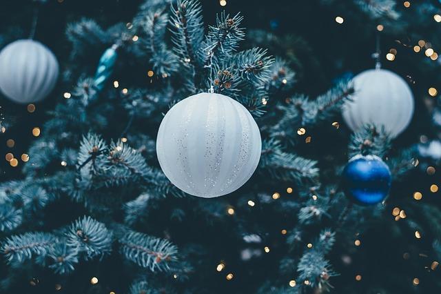 prezzo-albero-di-Natale-artificiale