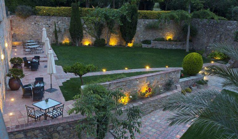 Le migliori lampade solari da giardino economiche prezzi e
