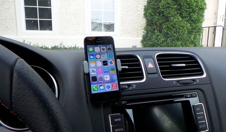 I migliori portacellulare da auto da comprare online per la